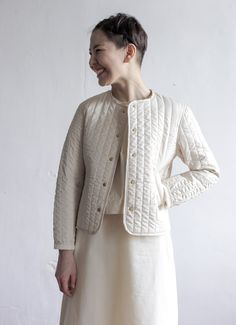 quilted and fitted Silk Jacket, Quilted Jacket, Couture Fashion, Diy Fashion, Womens Fashion, Quilted Clothes, Kimono Fashion, Coats For Women, Ready To Wear