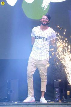 Vijay Devarakonda Launches Rowdy Wear App Photos - Chai SamoSa College Girl Photo, Telugu Hero, Beautiful Heroine, Most Handsome Actors, Vijay Actor, Cute Couple Cartoon, Vijay Devarakonda, Indian Actress Photos, Photoshoot Images