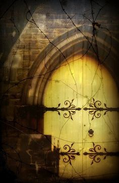 The Huntress Fairy Tale — Love is a open door Medieval Dreams 🌿 Portal, Knobs And Knockers, Door Knobs, Arched Doors, Windows And Doors, Palaces, Yellow Doors, Cool Doors, Mellow Yellow