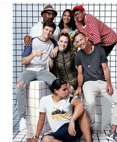 The Flash cast at San Diego Comic Con (SDCC) 2017 What's the hammer for? Supergirl Dc, Supergirl And Flash, Batwoman, Concessão Gustin, Le Flash, The Flashpoint, Flash Tv Series, Flash Funny, Flash Comics