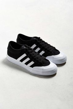 super popular e5860 d8b04 Adidas Matchcourt shoes