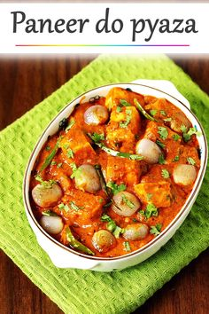 Paneer do pyaza is a restaurant style paneer recipe with delicious, aromatic gravy that has mild hints of sweet and slightly tangy taste. Paneer Curry Recipes, Indian Paneer Recipes, Indian Dessert Recipes, Paratha Recipes, Tasty Vegetarian Recipes, Spicy Recipes, Cooking Recipes, Indian Food Vegetarian, Cuban Recipes