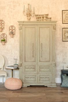 Fusion Mineral Paint | Jennylyn's European Styling Fresco.  Cabinet painted in layers of Fusion Mineral Paint mixed with the new Fresco medium.
