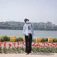 J-Hope ❤ [mejiwoo103 Trans IG] 한장씩 올리긩 #패치청자켓#미지우 \ Post one by one #PatchJeanJacket #Mejiwoo - Hoseok's sister posted a photo of him on her IG! SiblinGoals~ ❤ #BTS #방탄소년단