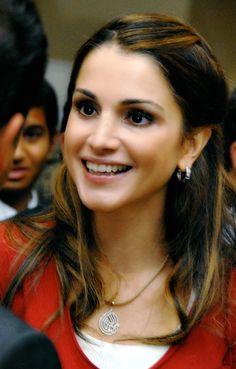 ♔♛Queen Rania of Jordan♔♛...