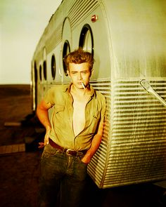 james dean, the most handsome man to happen....ever.