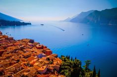 paragliding in italy | Lake_Garda_the_Largest_Stunning_Lake_in_Italy..
