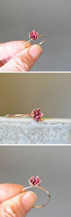 Ruby rose for your ring finger - such a pretty ring that looks like a flower bursting from your hand! accessories bling Rough Ruby Ring, Rose Gold and Ruby Ring, Wedding Anniversary Theme Gifts, Ruby Birthstone Jewelry, July Gemstone Lotus Flower Ring Bracelet Rose Gold, Bracelets Roses, Gold Necklace, Simple Bracelets, Ring Bracelet, Necklace Set, Ruby Rose, Or Rose, Diy Schmuck