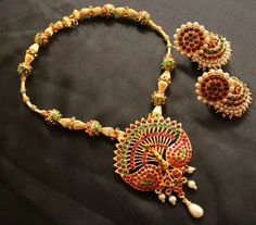 Asian Jeweller in Manchester is providing with the modern designs of jewelry with endless varieties of beautifully design accessories. Ruby Jewelry, India Jewelry, Temple Jewellery, Wedding Jewelry, Jewelry Sets, Gold Jewelry, Jewelry Necklaces, Indian Jewellery Design, Jewelry Design