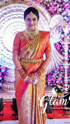 Get Help Planning Your Perfect Wedding Day – Gowns 4 Weddings South Indian Wedding Saree, South Indian Bride, Indian Weddings, Kerala Saree Blouse Designs, Bridal Blouse Designs, Indian Bridal Outfits, Indian Bridal Fashion, Wedding Silk Saree, Bridal Sarees