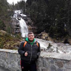 Randonné sur le pont d espagne.  #trek#pontdespagne#cauterets#pyrenees#family#cascades#socold#sobeautiful#nature#backpacker#sun#mountain by julien1633