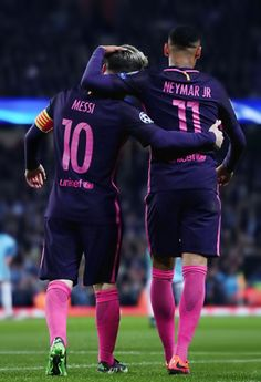 Messi e Neymar Jr Neymar Barcelona, Barcelona Soccer, Best Football Players, Football Is Life, Soccer Players, Sport Football, Neymar Jr, Messi Vs, Leonel Messi