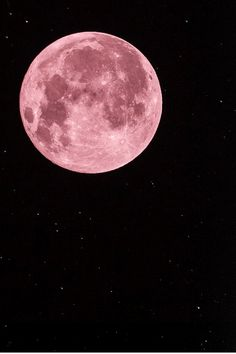 A blushing pink and superb full moon, there's little more beautiful than a moon in it's glorious phases.