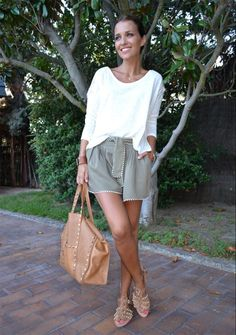 Paula Echevarría Look Short Outfits, Casual Outfits, Fashion Outfits, Mode Camouflage, Look Short Jeans, Estilo Lolita, Summer Outfits For Teens, Spring Summer Fashion, Casual Looks
