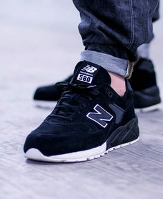 New Balance mrt580bv (via Kicks-daily.com)