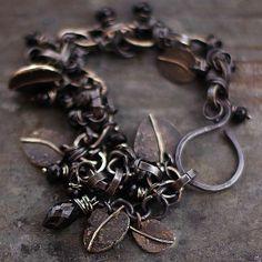 a czerń spinele - cobalt blue ewa lompe biżuteria autorska .