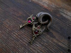 Steampunk Winged key dangling gauge earrings,hook lobe,size 4,5,6,8,10,12,14,16,18,20 mm,6g,4g,2g,0g,00g,3/16,1/4,1/2,5/16,9/16,5/8,3/4,7/8""