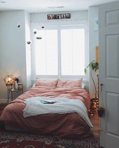 room, bed, and bedroom Bild