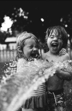Gülmek için,dört dörtlük bir mutluluk beklemeyin, Yaşadığınız her an gülümsemeniz için bir sebebtir… Bol kahkahalı olsun gününüz…  #sözler #anlamlısözler #güzelsözler #manalısözler #özlüsözler #alıntı #alıntılar #alıntıdır #alıntısözler