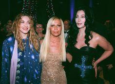 Madonna, Donatella Versace y Cher —1997   Así se vestía la gente para la Gala del MET en los 90