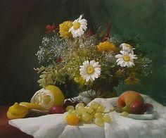 Грозди винограда и цветы. Художник Дмитрий Севрюков