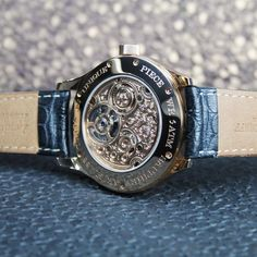 Alexander Shorokhoff - Beautiful back case including the hand-engraved movement of our Tourbillon.