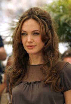 Angelina Jolie - soft autumn deep (toned autumn)