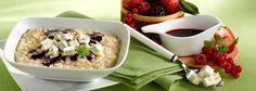 Recette Risotto au Gorgonzola D.O.P. avec un coulis de fruits rouges. Plus de recettes ici : http://www.ilgustoitaliano.fr/recettes/rechercher/all/all/all/parmesan-et-pates-dures/order-date-desc