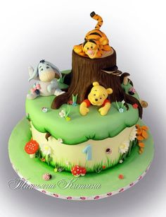 Awesome Winnie The Pooh Cake Decorations in Мои Торты Winnie Pooh Torte, Winnie The Pooh Birthday, Winne The Pooh, Winnie The Pooh Friends, Decoration Patisserie, Baby Birthday Cakes, Happy Birthday, Disney Cakes, Novelty Cakes