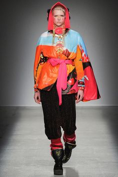 Manish Arora Fall 2014 Ready-to-Wear Collection Slideshow on Style.com