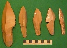 Shouldered points, with the base of the point reduced in width to make it easier to attach to a handle or a spear.     The Zaraysk site is extremely rich in flint artefacts, with tens of thousands of specimens found.