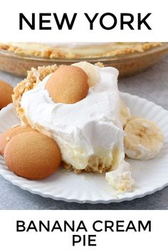 This Banana Cream Pie recipe starts has a homemade Nilla wafer crust, creamy pudding filling, sliced bananas and a delicious whipped topping. recipes NEW YORK BANANA CREAM PIE Cream Pie Recipes, Sugar Free Banana Cream Pie Recipe, Bannana Cream Pie, Banana Pie Recipe, Homemade Banana Cream Pie, Banana Cream Cakes, Homemade Banana Pudding, Homemade Pies, Banana Pudding Recipes