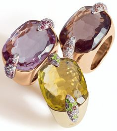 I just had to make a thread about Pomellato jewelry. It's so yummy:nuts: It's an Italian jewelry brand since 1967 and the jewelry is manufactured. High Jewelry, Cute Jewelry, Luxury Jewelry, Jewelry Rings, Jewelery, Jewelry Accessories, Jewelry Design, Pomellato, Necklace Designs