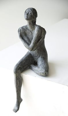 Shine – Art Center HOres - Everything About Charcoal Drawing and Sculpture Pottery Sculpture, Sculpture Clay, Ceramic Figures, Ceramic Art, Sculptures Céramiques, Figurative Art, Ceramic Sculpture Figurative, Clay Art, Oeuvre D'art