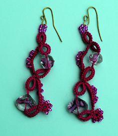 Orecchini fucsia con perline/ Earrings