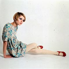 Retro Fashion A look back at Twiggy, revealed in pictures and with quotes from Vogue, on her birthday. - A look back at Twiggy, revealed in pictures and with quotes from Vogue, on her birthday. Fashion 60s, Look Fashion, Fashion Models, Vintage Fashion, Fashion Trends, Sporty Fashion, Fashion Women, Winter Fashion, Retro Mode