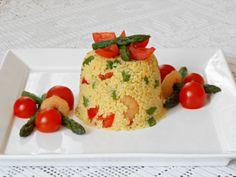 Timballini di Couscous con Asparagi Ciliegini e Gamberi