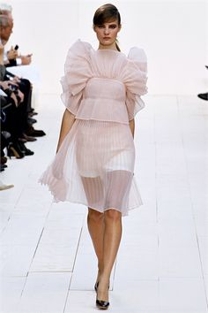 Beautiful design from Chloé at Paris fashion week.