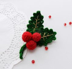HAND CROCHET BROOCH APPLIQUE DECORATION CHRISTMAS HOLLY AND BERRIES* in Crafts, Crocheting & Knitting, Other Crocheting & Knitting   eBay