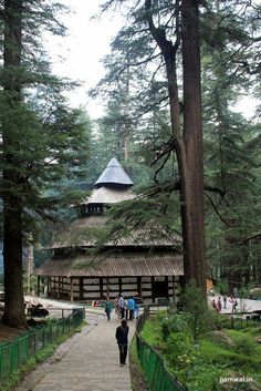 Ancient Hidimba Temple in Manali, Himachal Pradesh, India Tourist Places, Places To Travel, Places To Visit, Places Around The World, Around The Worlds, Wonderful Places, Beautiful Places, Kullu Manali, India Tour