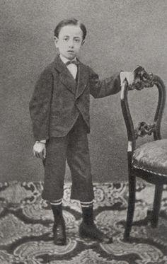Gabriele D'Annunzio nel 1870