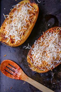 How to Cook Spaghetti Squash Boats - Savory Thoughts Cooking Spagetti Squash, Spaghetti Squash Boat, Spaghetti Squash Recipes, Veggie Recipes, Vegetarian Recipes, Cooking Recipes, How To Cook Squash, Squash Boats, Mediterranean Recipes