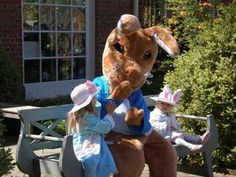 Easter events round up including Easter Weekend with Peter Rabbit, the Easter Parade, Easter at Maymont & more.