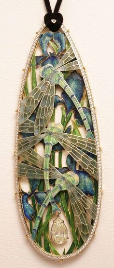 Stunning Art Nouveau Jewelry. Exquisite open work design, beautiful.