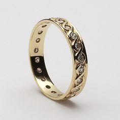 Hamsa Ring / Diamond Hamsa Ring in Gold / Rose Gold Ring / Graduation Gift - Fine Jewelry Ideas Celtic Rings, Celtic Wedding Rings, Diamond Wedding Rings, Wedding Ring Bands, Diamond Rings, Gold Rings, Perfect Engagement Ring, Vintage Engagement Rings, Elegant Wedding Rings