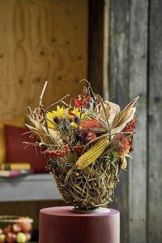 Hydrangea Macrophylla, Oasis, Flower Arrangements, Wreaths, Autumn, Flowers, Plants, Vintage, Decor