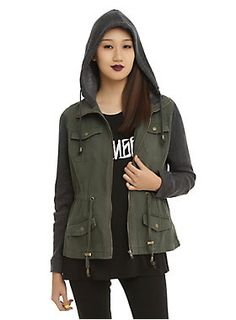 This four pocket olive anorak jacket has a drawstring, cinching waistband heathered charcoal sleeves and hood. Hottopic.com