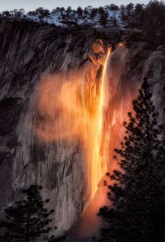 11 Of The Most Breathtaking Travel Photos Of The Year - FIREFALLS, YOSEMITE NATIONAL PARK, CALIFORNIA (=)