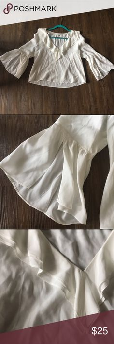 ❤ white flowy fancy top WORN ONCE!! Amazing condition white flown shirt! Super pretty neck  detail and open float sleeves. Great for spring!! Purchased at Nordstroms. Nordstrom Tops Blouses