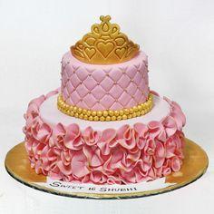 Sweet 16 with golden touch  #celejor #celejorcakes #celejorcakeshop #customised #2tiercake #rufflecake #pinkcake #crowncake #princesscake #goldencrown #edible #birthdaycakes #cakeforgirls #fondantcake #designercakes #cutecakes #themedcakes #cakeart #cakes #mumbaicakes #mumbaifoodie #foodphotography #foodoftheday #dessert #love #mumbai